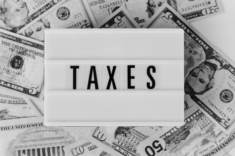 Between Accountants and Tax Agents